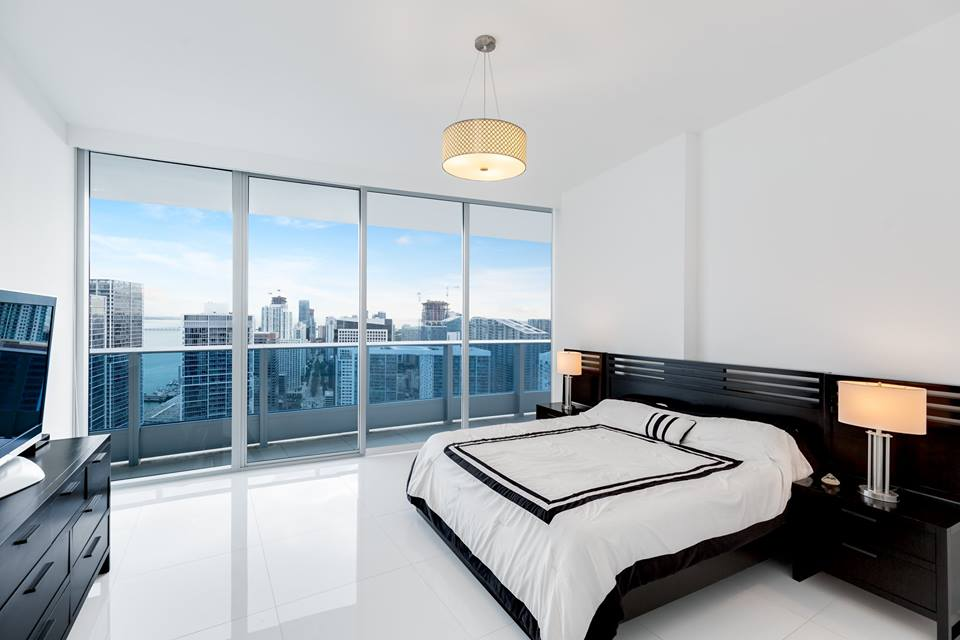 Downtown miami penthouse at epic residences lists for 3 for Epic apartments miami