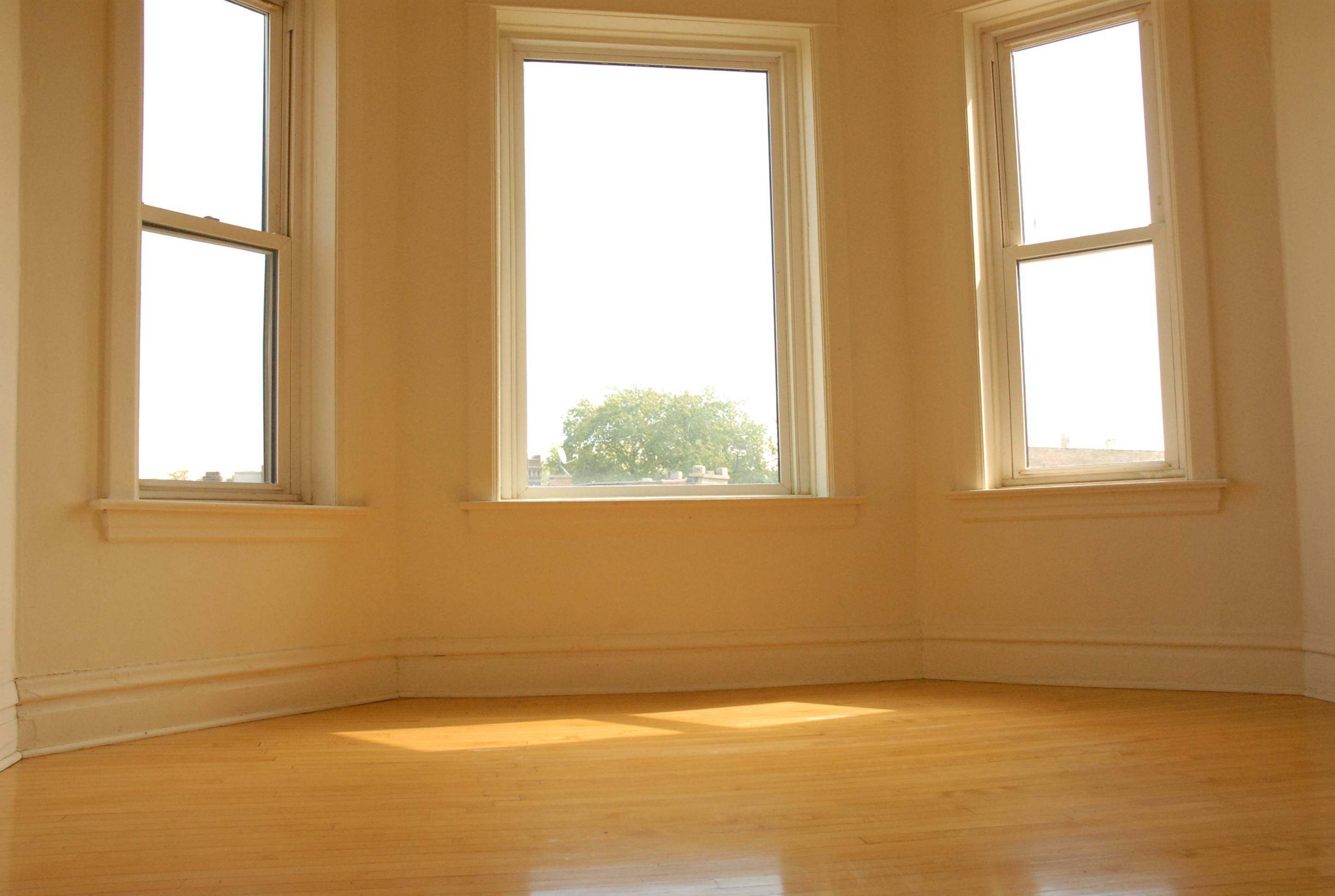 Rent this three bedroom apartment in humboldt park for - Three bedroom apartment for rent ...