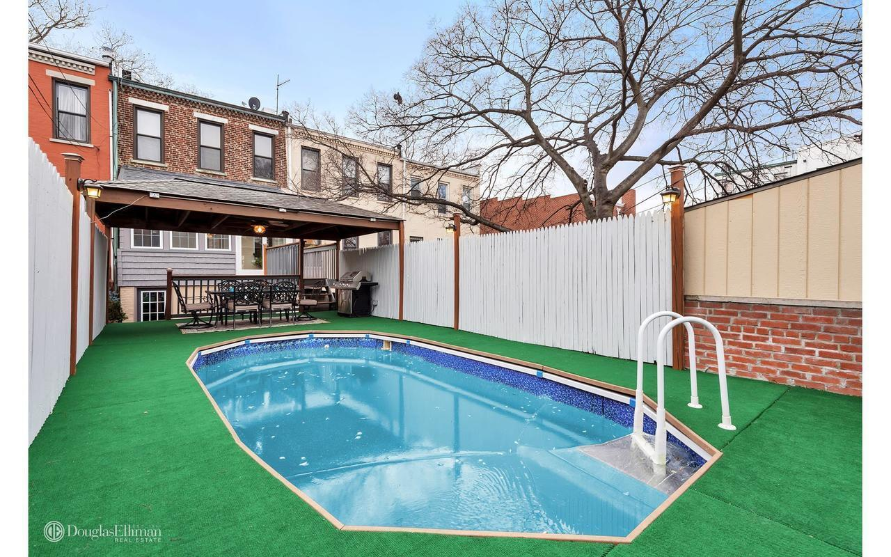 116 Year Old Sunset Park Home With In Ground Pool Asks 1
