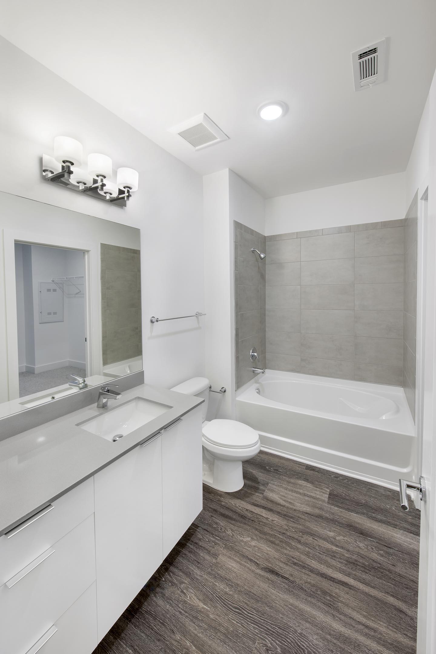 Atlanta Braves Bedroom Decor: Atlanta Braves-adjacent Apartment Rents, Interiors