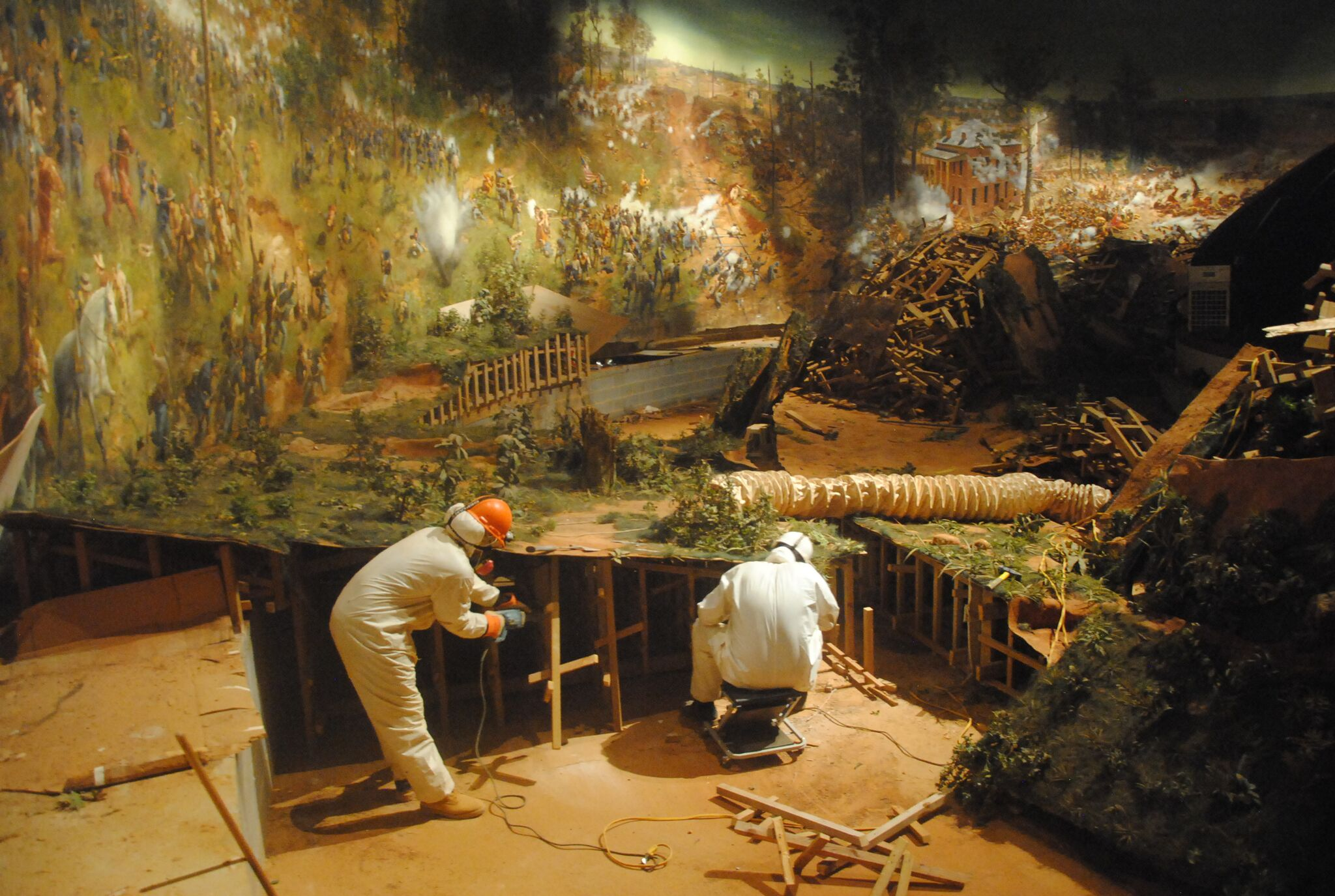 Atlanta cyclorama completes historic trek to buckhead for Airbrushing mural