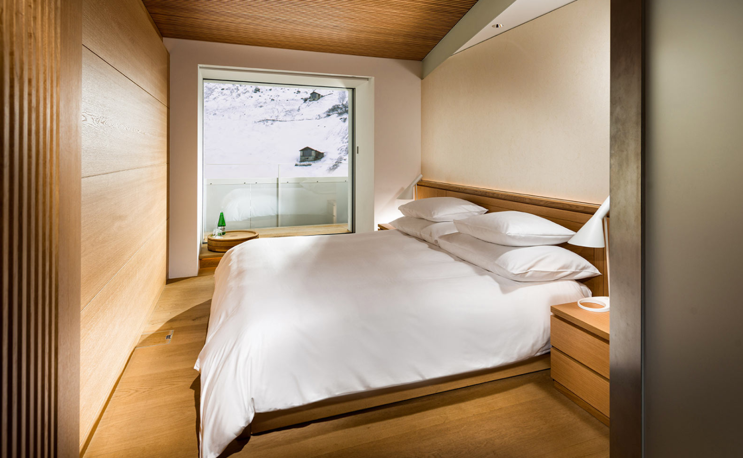 Luxe 39 house of architects 39 spa hotel features rooms by for Design hotel vals