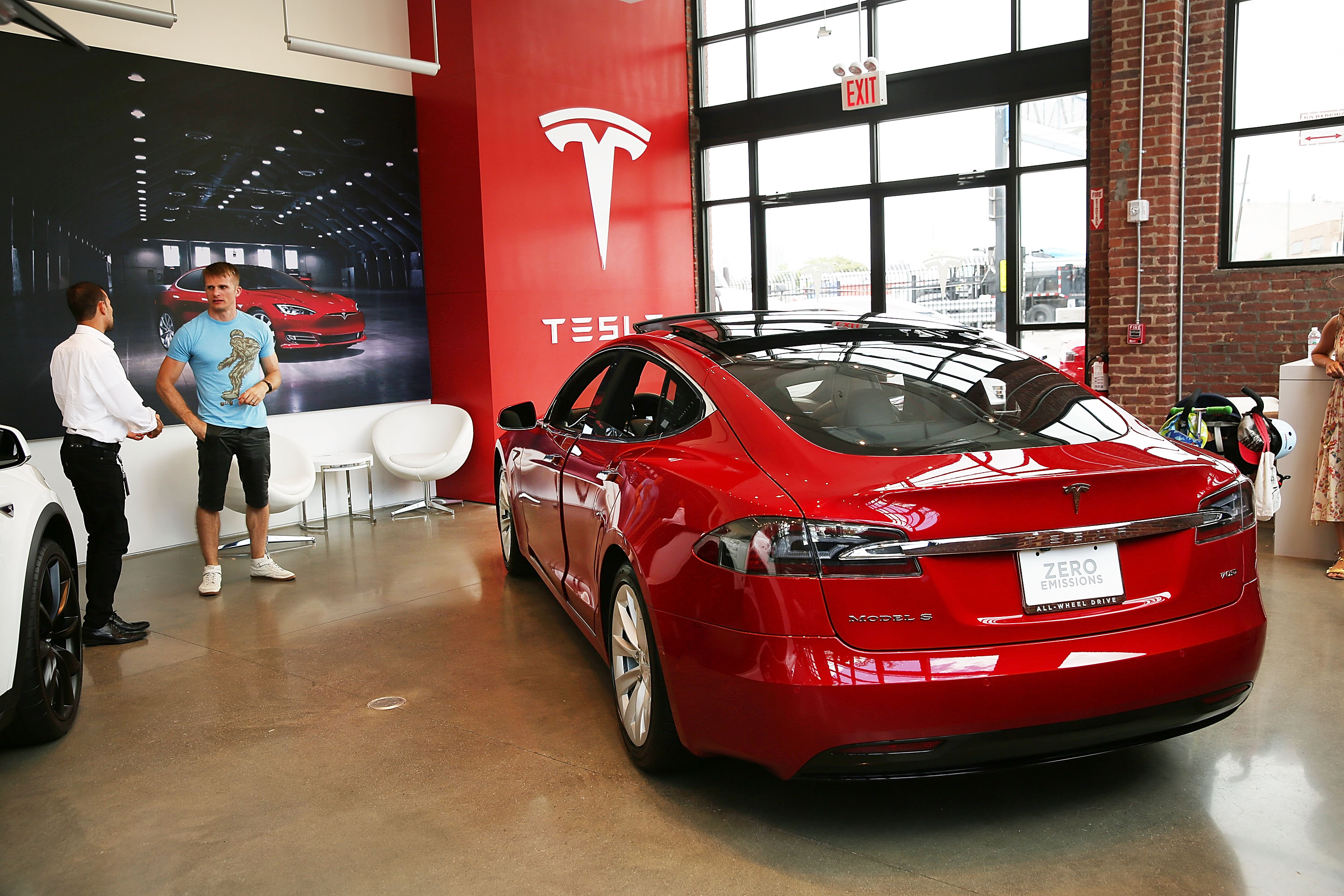 Investigation Continues Into Tesla Driver's Death While In Autopilot Mode
