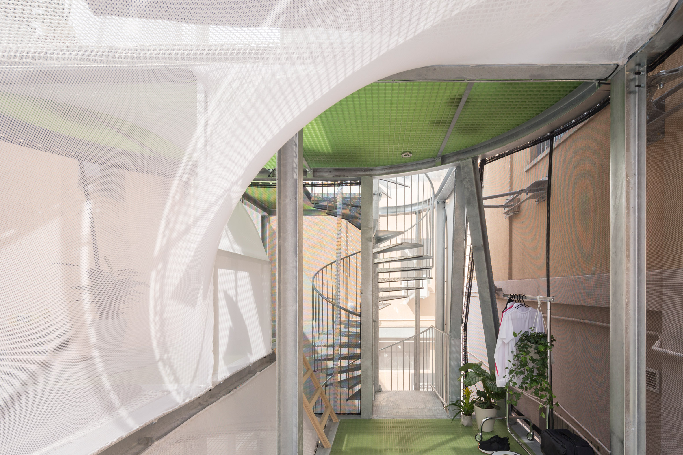 This Sustainable Housing Prototype Features Walls Made Of