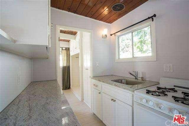 This compact Mid City back house holds one bedroom and one bathroom in its  475 square feet  Described as  recently remodeled   the detached unit has  its own. Los Angeles rent comparison  What  1 500 rents you right now