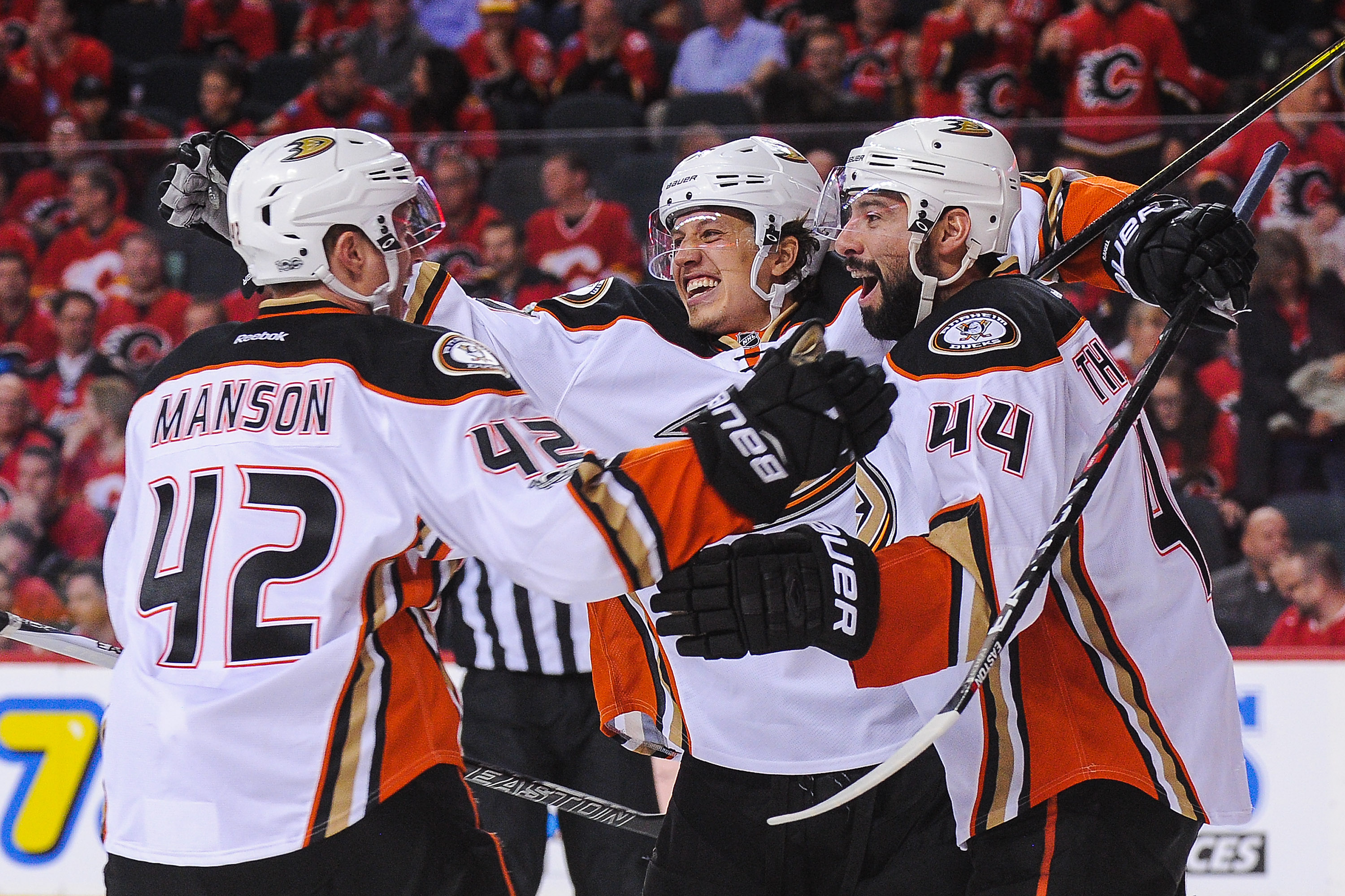 Anaheim Ducks douse Calgary Flames 3-1 to complete playoff series sweep