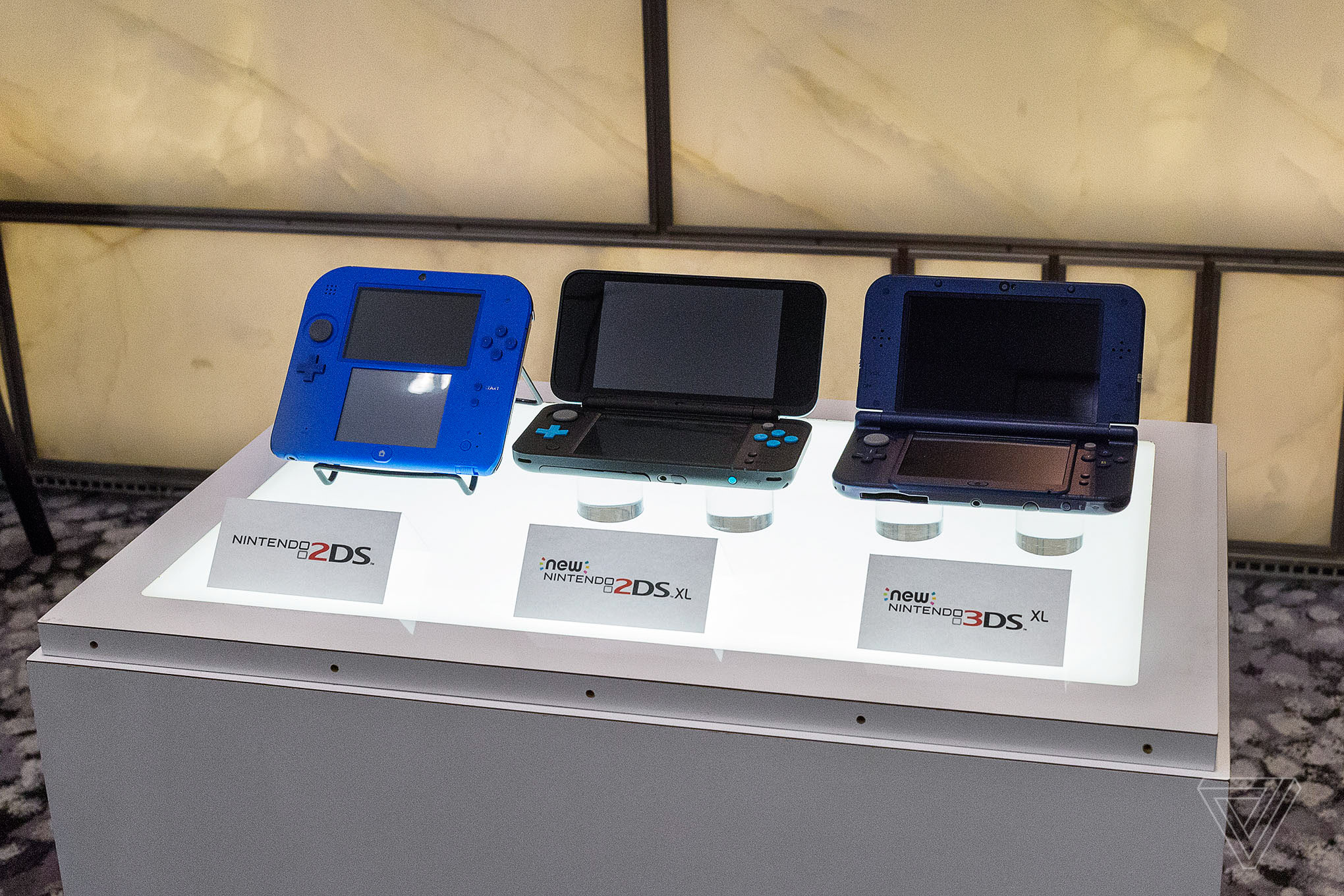 New nintendo 2ds xl hands on this is the 3ds that always for Housse new 2ds xl
