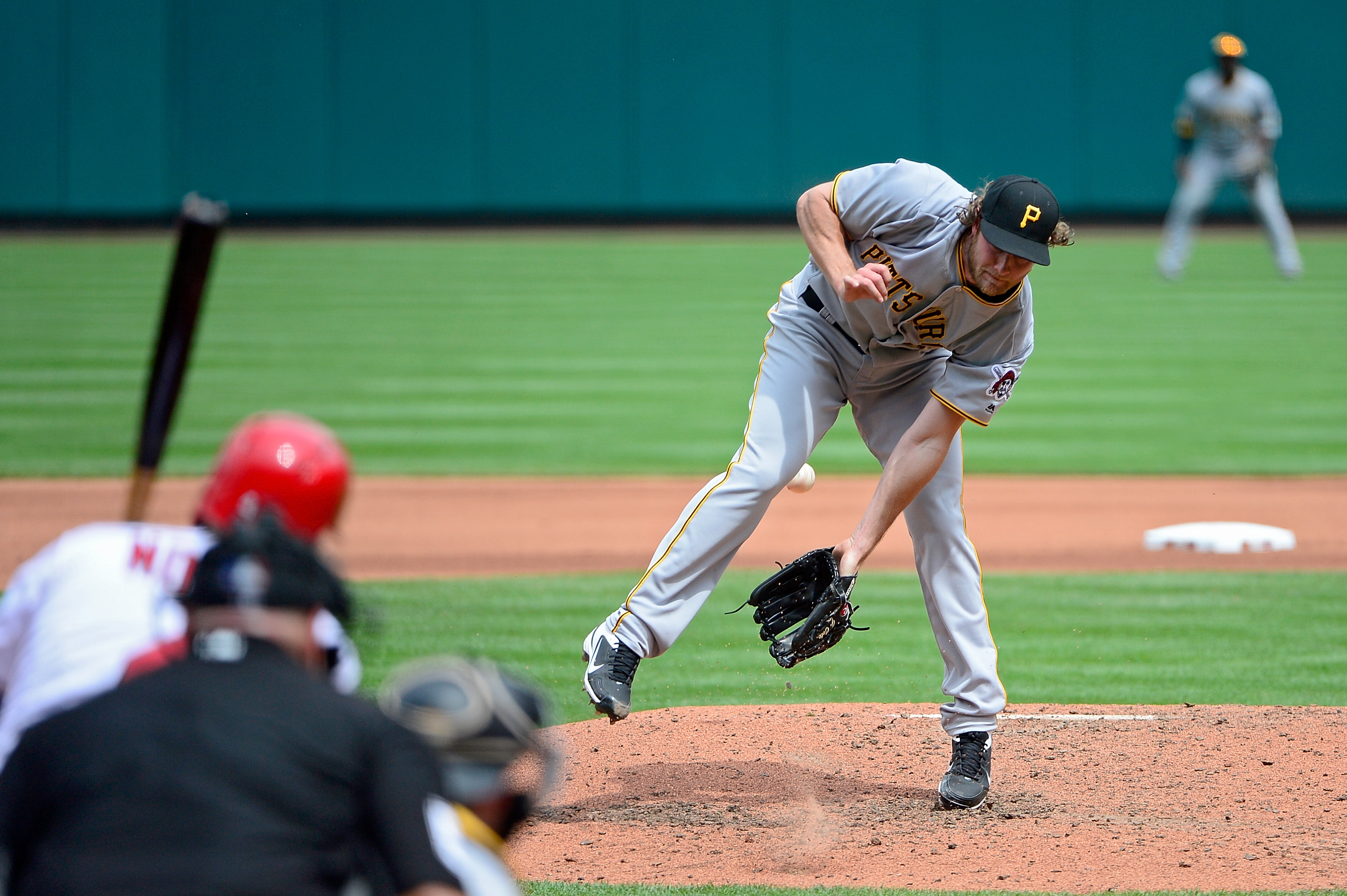 Harrison's single gives Pirates 2-1 win over Brewers in 10
