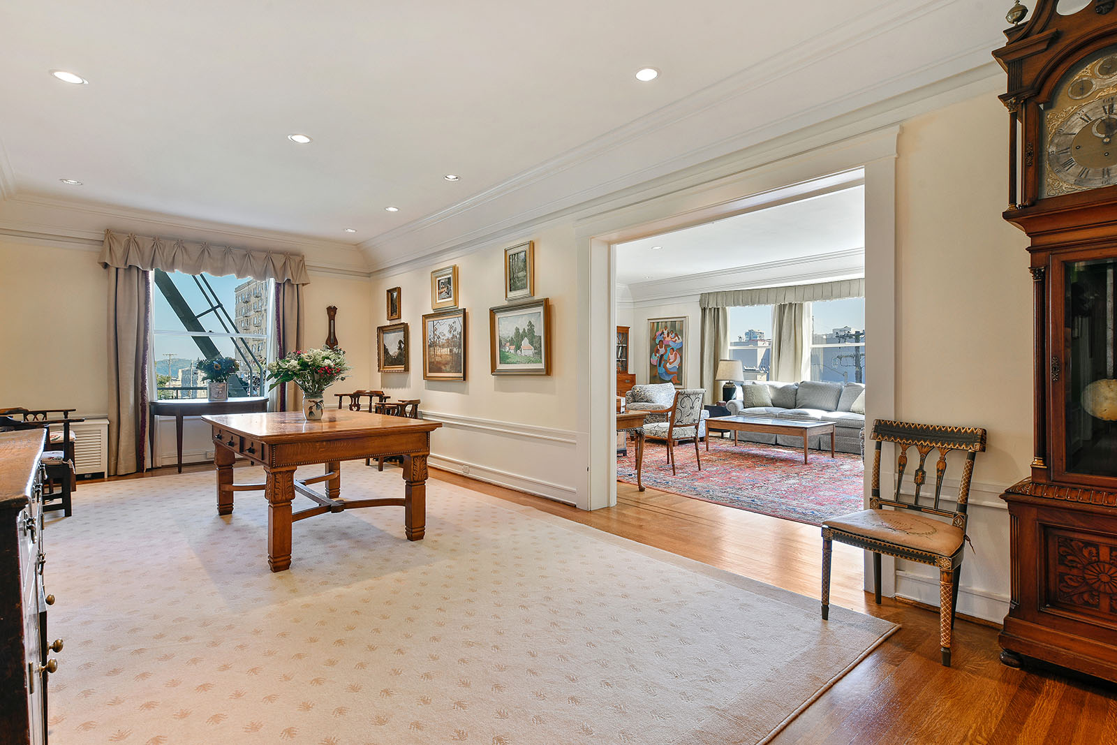 Living Room Foyer : The only private home for sale in a san francisco public