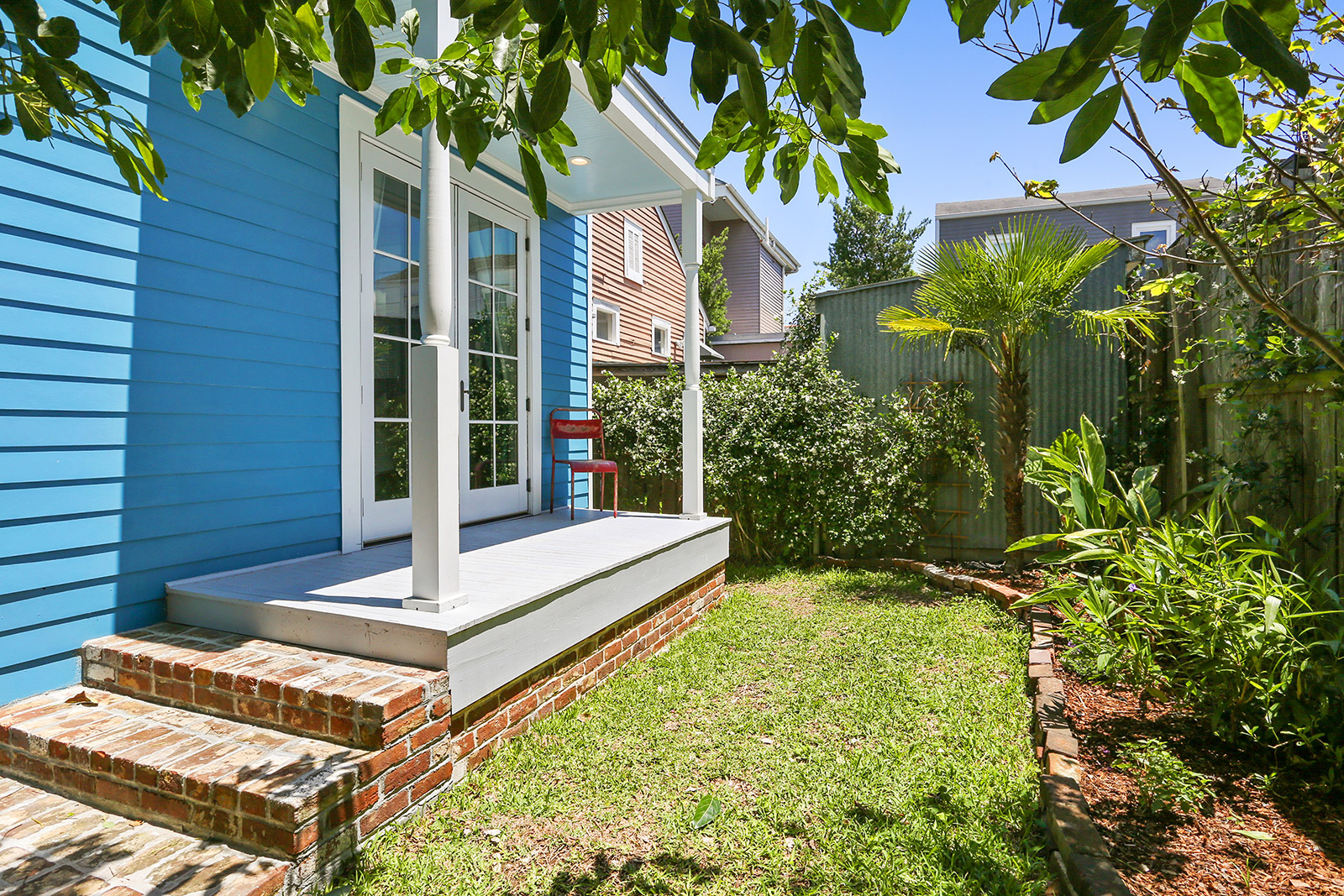 465K Buys This Gorgeous East Riverside Cottage