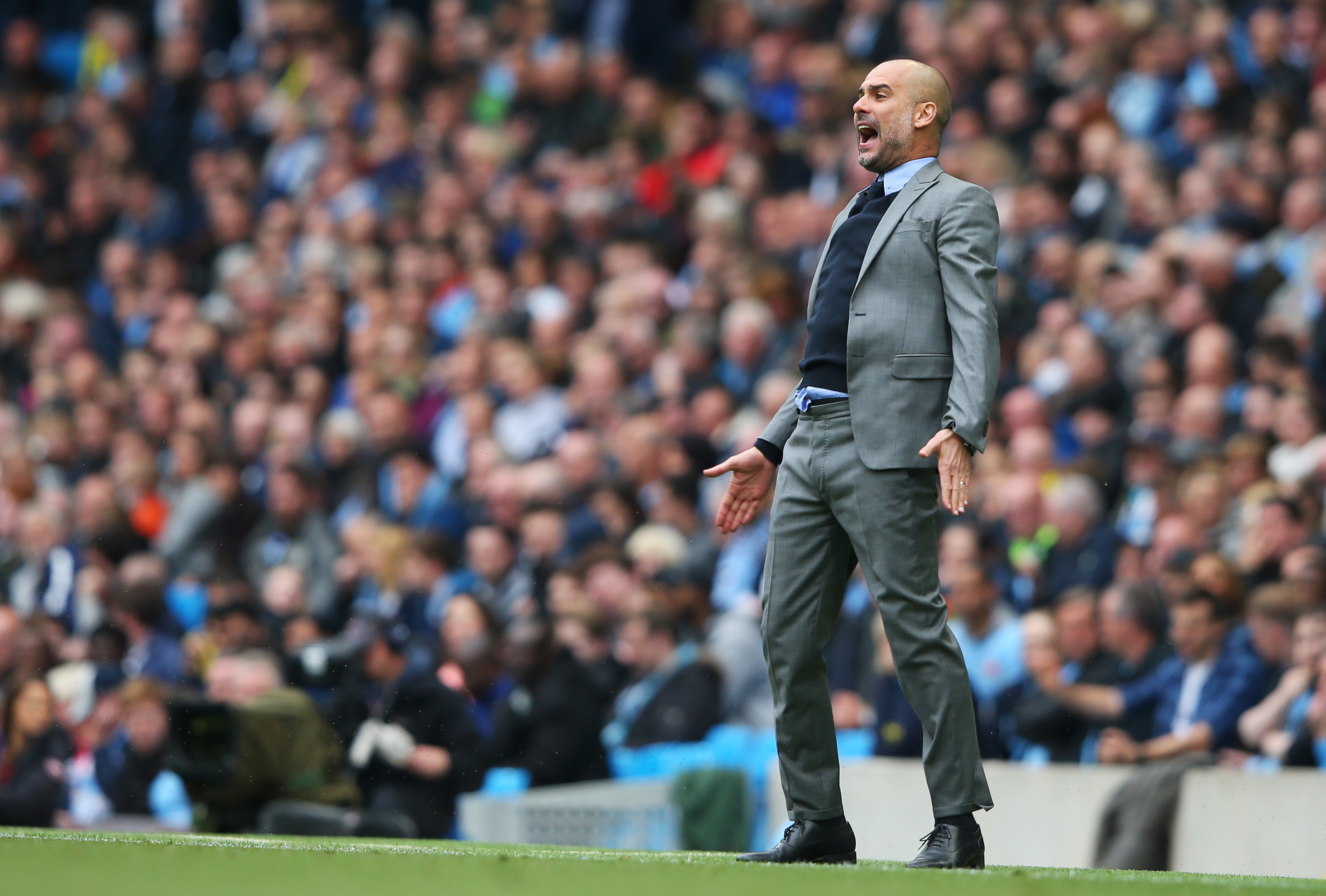 Pep Guardiola praises referee for