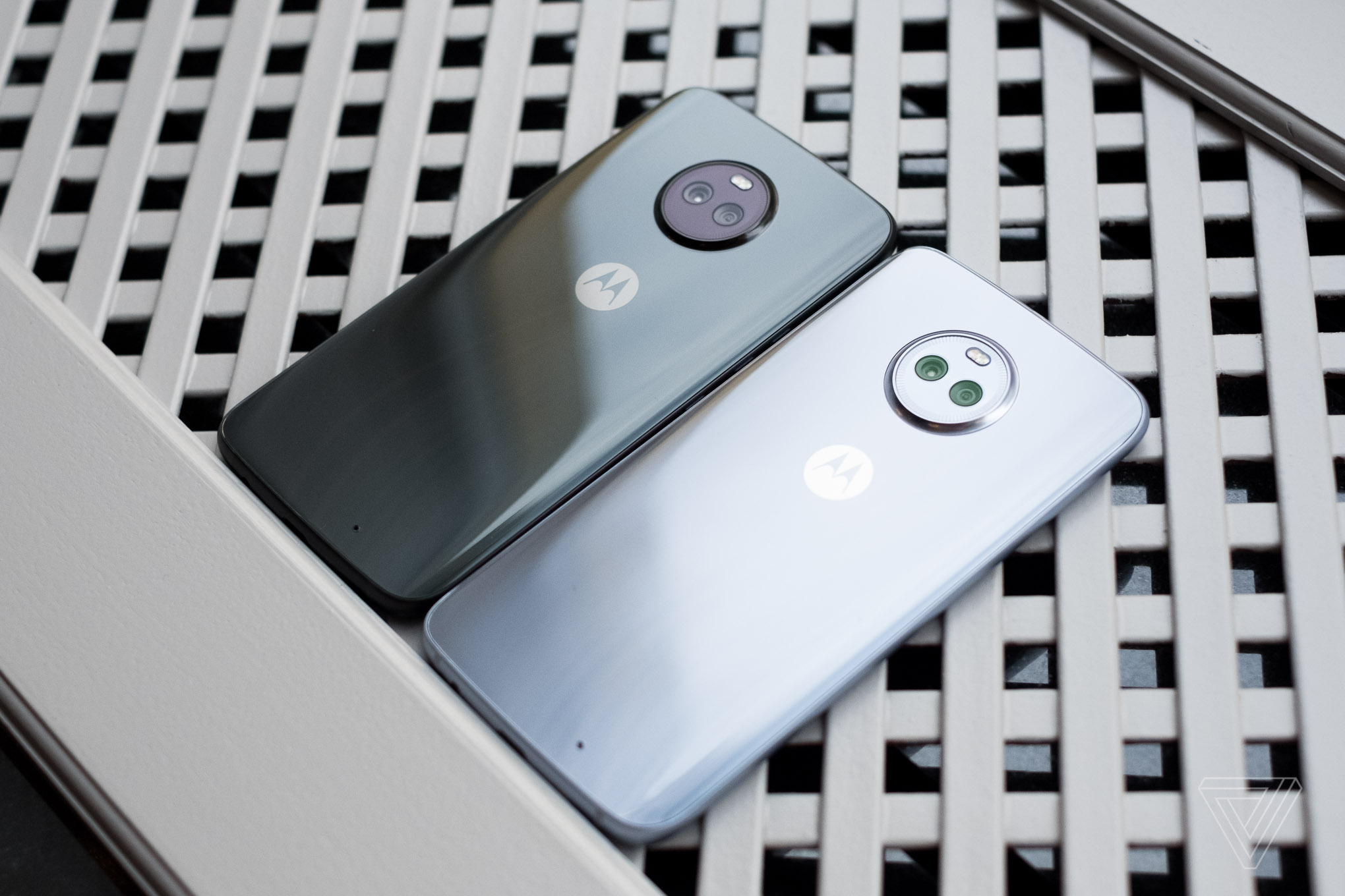 how to use alexa on moto x4
