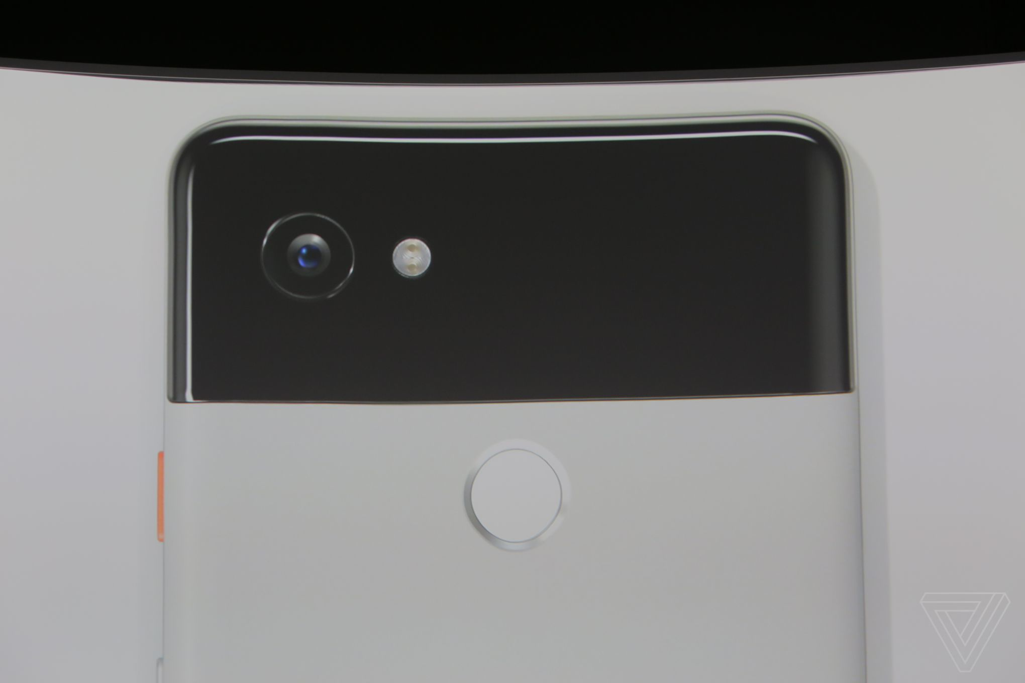 Google Pixel 2 and 2 XL announced with water resistance
