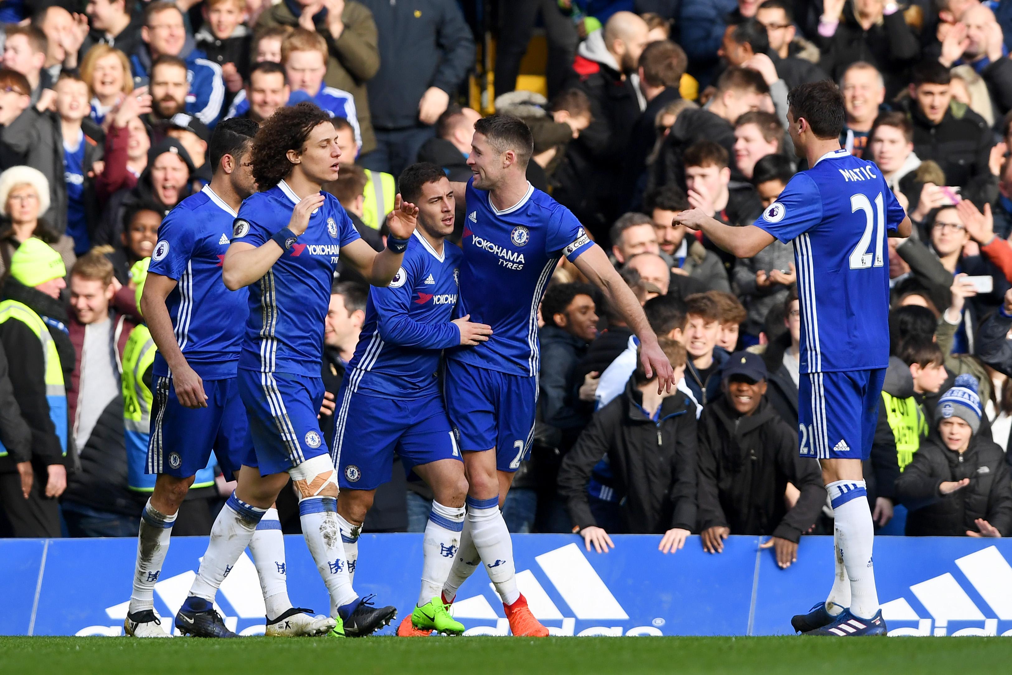 El Chelsea derrota al Arsenal (3-1) y se dispara hacia el título